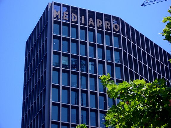 With a turnover of almost 2 billion EUR in 2018 the MEDIAPRO Group has undergone significant growth in its international activity with 21% of turnover coming from activity in Spain